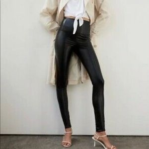 Aritzia Wilfred Free Leggings